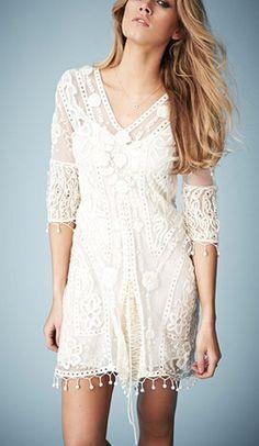 Gorgeous hippie boho bohemian gypsy style dress! For more followwww.pinterest.com/ninayayand stay positively #pinspired #pinspire @ninayay
