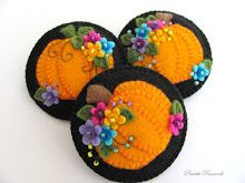 happy flowery pumpkin pins! lots of felt and beading ideas here