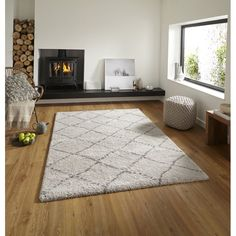The Royal Nomadic area rug range is one of the softest machine-made shaggy products. It is produced using treated yarn and incorporates a trendy, two-tone diamond design. This range is the height of machine-made quality.