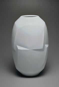 Maeta Akihiro – Jar with faceted body, 1996. White porcelain. On loan from the National Museum of Modern Art, Tokyo