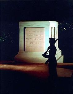 facts about the guarding of the tomb of the unknown soldier.