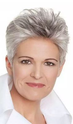 Look fabulous with these beautiful shaggy hairstyles for fine hair over and proof to the world that age is just a number when it comes to hairstyling. Haircut For Older Women, Short Hair Cuts For Women, Short Hair Styles, Easy 50s Hairstyles, Short Hairstyles For Women, Gray Hairstyles, Short Haircuts, Stylish Hairstyles, Business Hairstyles