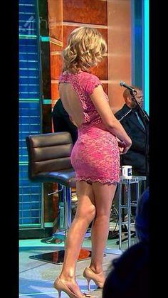 Rachel Riley - deep pink and desirably pulchritudinous. Rachel Riley Bikini, Rachel Riley Legs, Rachel Riley Countdown, Racheal Riley, Tv Girls, Sexy Legs And Heels, Great Legs, Nice Legs, Curvy Women Fashion