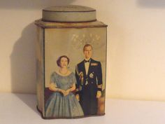 Royalty Ringtons Tea - Queen Elizabeth II Coronation Souvenir Tin 1953