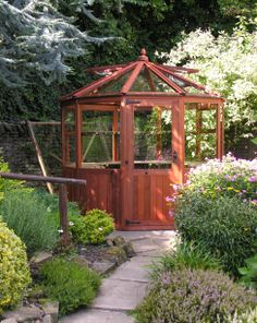 Dagdale, a small octagonal greenhouse. Or use as a gazebo. - http://garden-greenhouse.se/