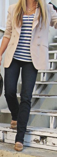 Casual look blazer +stripes Mode Chic, Mode Style, Chic Chic, Men's Style, Look Fashion, Autumn Fashion, Fashion Outfits, Spring Fashion, Fasion