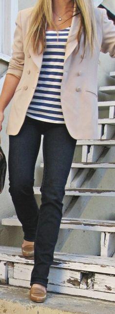 Casual look blazer +stripes Look Fashion, Autumn Fashion, Fashion Outfits, Fashion Trends, Spring Fashion, Fasion, Fashion Models, Blazer Fashion, Latest Fashion