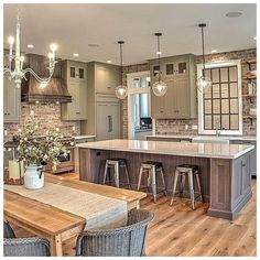 Interior Design Kitchen - Farmhouse kitchen style will be perfect idea if you want to have family gathering in your kitchen during meal time. Farmhouse Style Kitchen, Modern Farmhouse Kitchens, Home Decor Kitchen, Kitchen Rustic, Design Kitchen, Farmhouse Ideas, Kitchen Themes, Country Kitchen Farmhouse, Kitchen Interior