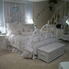 Shabby Chic Bedroom Design Ideas, Pictures, Remodel, and Decor - page 86