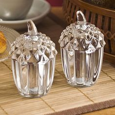 Crystal acorn salt and pepper shakers.perfect for a fall table. by lea Little Acorns, Gland, Salt And Pepper Set, Fall Table, Salt Pepper Shakers, Glass Art, Clear Glass, Cut Glass, Pottery