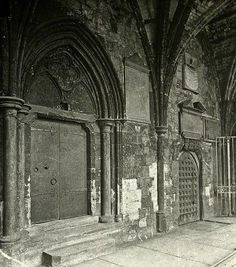 Rare photo of the back gate at Newgate Prison where to condemned were led out to the scaffold