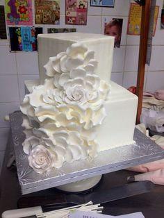 Stunning!  ~ wedding cake all edible