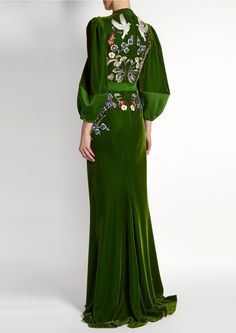 r McQueen's Green Velvet Embroidered Fantasy Gown (Back View) You can see the Front View and the rest of the Outfit and my Remarks on this board. Robes Glamour, Fantasy Gowns, High Fashion, Womens Fashion, 90s Fashion, Grunge Fashion, Modest Fashion, Korean Fashion, Winter Fashion