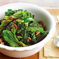 How to Cook Greens Leafy greens brim with nutrients and great flavor. Here's how to cook them up.