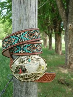 Think I need a belt with somewhat these colors