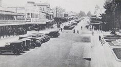 Summer Street. View facing west with Robertson Park on right Hotel Canobolas on left, 1927. Photo:  The Collections of Central West Libraries.