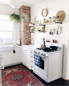 As Nancy pointed out recently, there are some kitchen design choices that never go out of style — retro SMEG fridges and farmhouse sinks fall firmly in this category