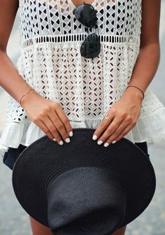 hat + white nails