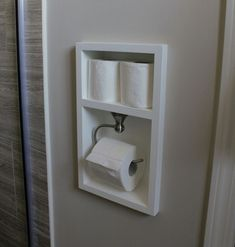Excellent space saving idea for a small bathroom. Small Bathroom Organization, Bathroom Design Small, Diy Bathroom Decor, Bathroom Storage, European Home Decor, Bathroom Toilets, Bath Remodel, Amazing Bathrooms, Toilet Paper