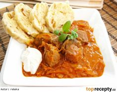 Segedínský guláš z PH Thai Red Curry, Crockpot, Slow Cooker, Menu, Chicken, Cooking, Ethnic Recipes, Food, Kochen