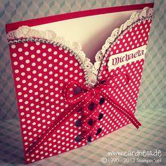 Carte d'anniversaire Dirndl - Invitaciones de boda y XV años - Anniversaire Stampin Up, Fancy Fold Cards, Folded Cards, Diy Birthday, Birthday Cards, Dress Card, Shaped Cards, Paper Hearts, Greeting Cards Handmade
