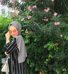 Week End Hijab Fashion Cute - Pemuja Wanita Hijab Fashion Summer, Modern Hijab Fashion, Hijab Fashion Inspiration, Muslim Fashion, Cute Fashion, Trendy Fashion, Hijabi Girl, Girl Hijab, Modest Dresses