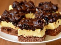 Ciasto czekoladowa śliwka Składniki Biszkopt kakaowy:… na Stylowi.pl Polish Desserts, Polish Recipes, No Bake Desserts, Baking Recipes, Cake Recipes, Dessert Recipes, Chocolate Ganache Tart, Kolaci I Torte, Cake Bars