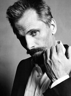 Viggo Mortensen - Danish American actor, poet, musician, photographer and painter. Viggo Mortensen, Famous Men, Famous Faces, Look At You, How To Look Better, Beautiful Men, Beautiful People, Gorgeous Guys, Moustaches