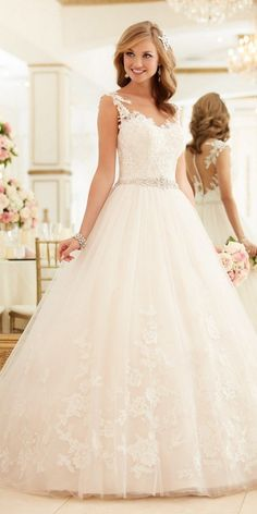 Stella York Lace and Tulle Ball Gown Wedding Dress style 6268 c / http://www.deerpearlflowers.com/stella-york-fall-2016-wedding-dresses/