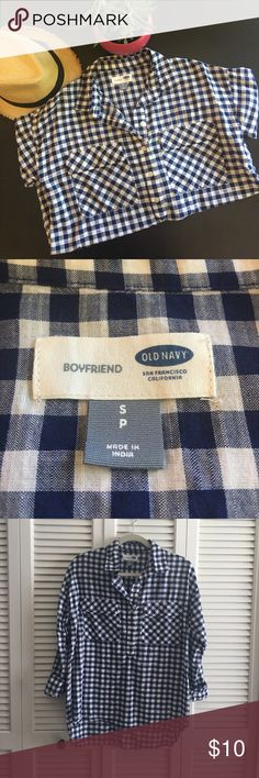 """Old Navy Boyfriend Shirt Cute, slightly """"oversized"""" for the boyfriend look. Great with skinny jeans but also cute with boyfriend cut jeans. Old Navy Tops Button Down Shirts"""