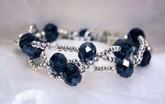 Bracciale a 3 fili con cristalli sfaccettati blu e di JanasBijoux