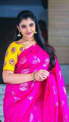 Beautiful Blonde Girl, Beautiful Girl Indian, Most Beautiful Indian Actress, Beautiful Girl Image, Beautiful Saree, Beautiful Women, Cute Beauty, Beauty Full Girl, Beauty Women
