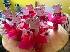 Peppa Pig Birthday Centerpieces Peppa Pig Birthday Outfit, Girl Birthday Themes, 4th Birthday Parties, 3rd Birthday, Birthday Ideas, Birthday Party Centerpieces, Birthday Decorations, Pig Pig, Party Themes