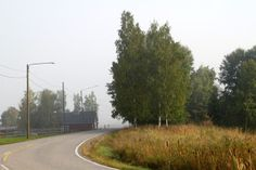 Tie johonkin. Syksyistä maalaismaisemaa.  A road to unknown destination. Autumn in Finland.