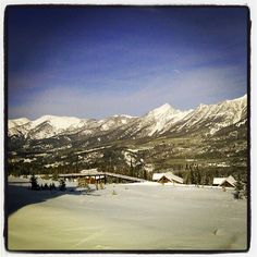 Beautiful view today of from the gorgeous Cowboy Manor! Sky Mountain, Mountain Resort, Skiing In America, Big Sky Ski, Great Places, Beautiful Places, Big Sky Montana, Secret Places, Scenery