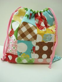 Do you love sewing cute little bags   as much as I do?        There's just something about choosing some fun fabric and a fabulous lit...