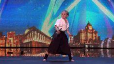 Jesse Jane McParland aus Irland ist neun Jahre alt und bereits Kampfkunst-Expertin. Mit ihrem Können bringt sie bei mit ihrem Auftritt in Britain s Got Talent die Jury zum Staunen und begeistert das Publikum Neun Jahre alte Kampfkunst-Expertin was first seen on Dravens Tales from the Crypt.