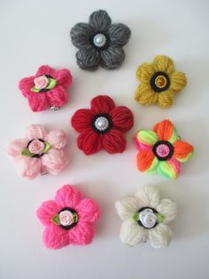 DIY Yarn Flower Hairclips - Createsie