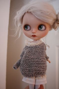 Dorthe sweater for blythe {by ScandinavianDoll}