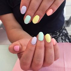 35 Extremely Cute Candy Colors Nail Art Design These candy colors will remind you of a lively rainbow on a Spring sky. They are also so easy to try it on. All you need is pastel nail polish in multiple shades. Summer Acrylic Nails, Best Acrylic Nails, Summer Nails, Nails Summer Colors, Cute Spring Nails, Trendy Nails, Cute Nails, Cute Shellac Nails, Cute Nail Art
