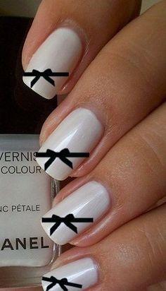 Bow detail nails