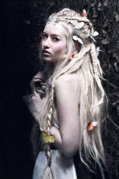 blonde-dread-hair 1