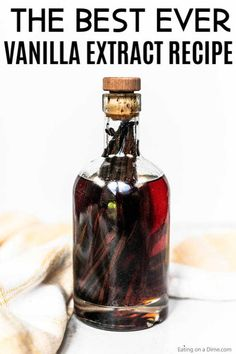 Learn how to make vanilla extract at home with vodka. Homemade DIY vanilla extract only takes 2 ingredients and 4 steps. Vanilla Extract Recipe, Vanilla Recipes, Vanilla Vodka, Vanilla Flavoring, Vanilla Extract Alcohol, Homemade Spices, Homemade Seasonings, Homemade Syrup, Do It Yourself Food