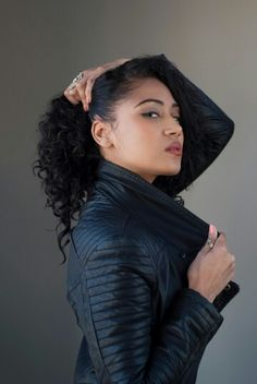Make-up: TasnimMUA Photographer: Nick Hooper Model: Candy-Nicole dos Santos  #headshot #portfolio #flawlessskin #edgy #rockchick #leatherjacket #bikerstyle #bikerjacket