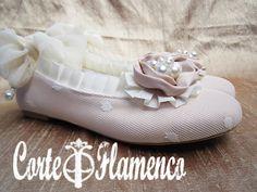 zapatos-exclusivos-de-comunion-corte-flamenco-pituka-zapatos-hechos-a-manos-forrar-zapatos-mary-james-sabrinas-bailarinas-manoletinasjpg.jpg 780×585 pixeles