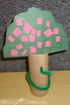 This toilet paper roll apple tree with pipe cleaner snake goes with the Jesus Storybook Bible story of Adam and Eve being tempted.