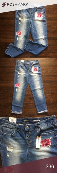 """NWT DAISY FUENTES JEANS NWT Daisy Fuentes Paulina Best Friend Jeans size 10, inseam 29"""" Sits below waist, easy slim fit. Flower embroidered, 4 button up zip 98% Cotton 2% Elastane Daisy Fuentes Jeans"""