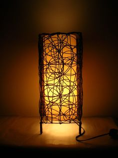 Pretty pattern. I like the simple patterns and the warm glow atmosphere. could also use wire to create the patterns.