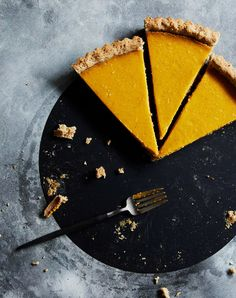Hazelnut Pumpkin Tart with a layer of chocolate | gluten free