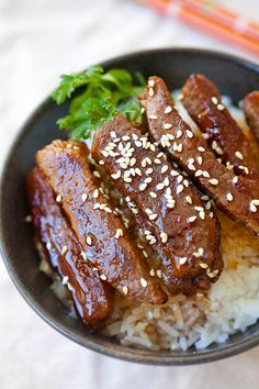 The best and easiest beef teriyaki recipe that takes 15 mins to make. You can make the teriyaki beef with your favorite cut of beef and homemade teriyaki sauce | rasamalaysia.com